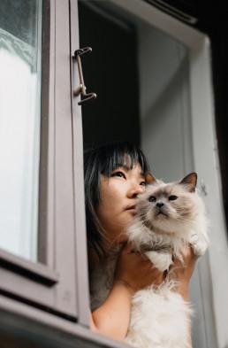 girl-cat-portrait-photographer